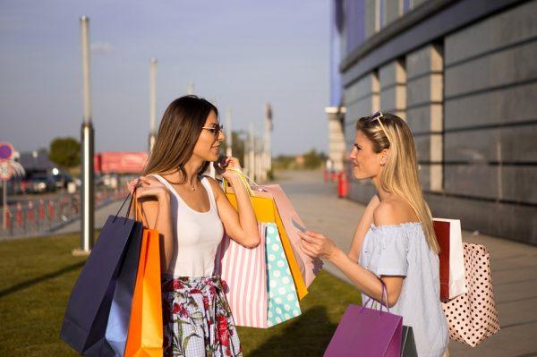 Volgeladen shoppers